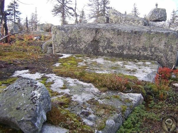 Гора Воттоваара - одно из самых загадочных мест России Расположена Воттоваара в 350 километрах от Петрозаводска в Муезерском районе. Места эти глухие, малонаселенные, изобилующие диким зверьем,