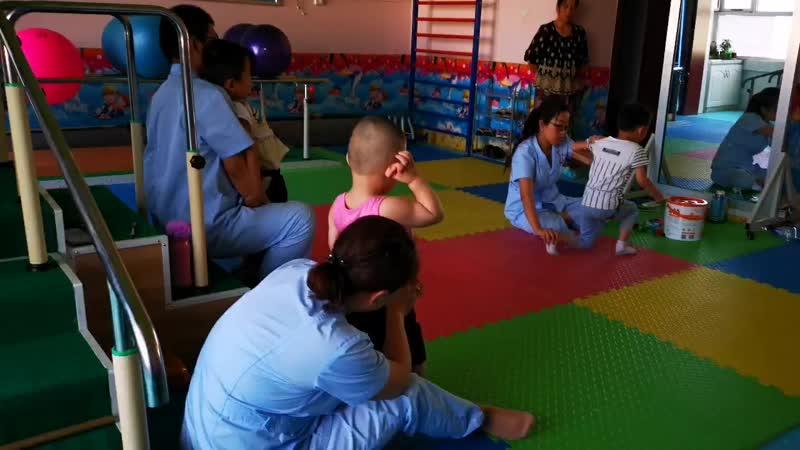 Видеоотзыв Шахнозы мамы Абдурахмона о лечении в клинике ТайКан в Шочжоу