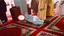 UN HOMME IVRE ENTRE DANS LA MOSQUÉE POUR PRIER .. REGARDEZ CE QUI LUI EST ARRIVÉ - Jericho