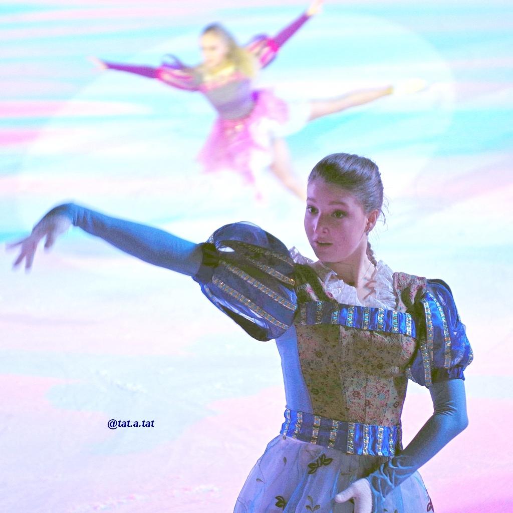 Ледовые шоу-6 - Страница 42 QXAY7hZ79xY