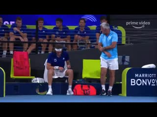 Stefanos tsitsipas injured his dad apostolos when he smashed his racket