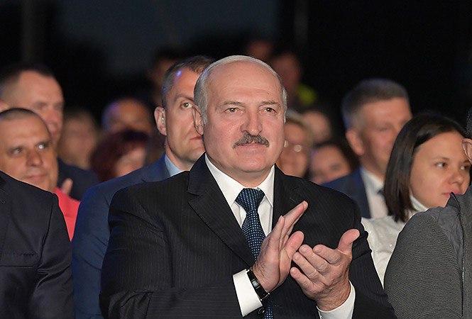 Бабарико и Цепкало не зарегистрированы кандидатами. Канопацкую, Дмитриева, Черечня и Тихановскую зарегистрировали