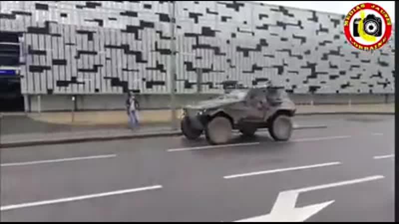 Das Militär in Frankreich hupt für die Gelben Westen.
