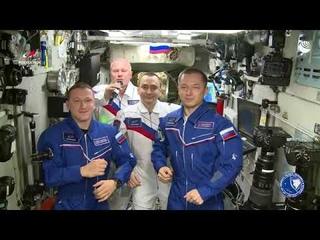 """Космонавты: """"Спасибо всем, кто посвятил свою жизнь изучению Вселенной"""""""