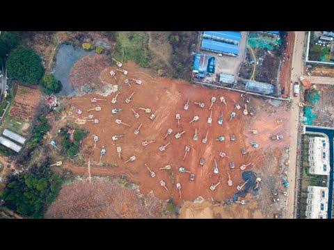 Live Construction for Wuhan makeshift hospitals underway 与疫情赛跑 武汉火神山雷神山医院建设最前线