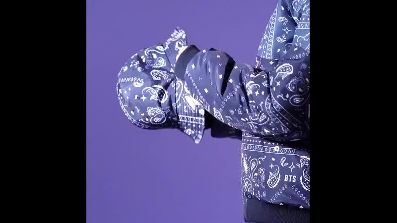 더욱 멋스럽고 따뜻하게  겨울을 보내는 방법💓  내일부터 BTS POP-UP : HOUSE OF BTS에서 BTS로고 리버서블 재킷과 패션아이템을 만나보세요!  BTS_POPUP HOUSE_OF_BTS
