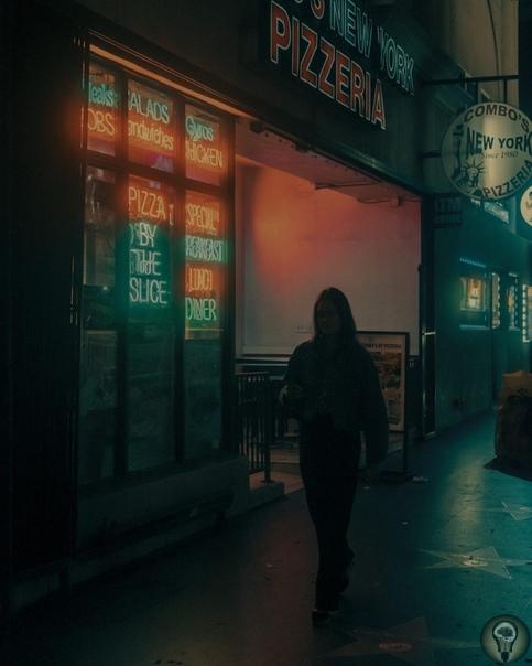 Неоновые мечты: камера Фрэнка Бобота показывает волшебный Лос-Анджелес из фильмов Тарантино и клипов Ланы дель Рей Ч.-1 Снимки Фрэнка Бобота критики сравнивают с порталами в иные реальности в