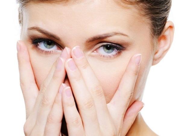 ОТЕКИ ПО УТРАМ (ЧАСТЬ II) В прошлом посте мы говорили о том, как и почему появляются отеки на лице. В этом посте рассказываем уже, как можно от них избавиться. Для этого рекомендуется: Хорошо