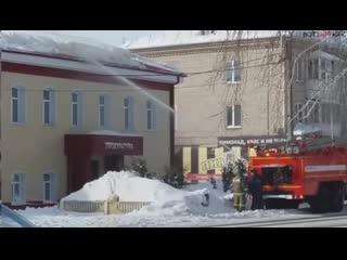 Как сбивать снег с крыши (ВоК)