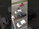 Mulher no trânsito foi xingar Lula de ladrão e bateu o carro