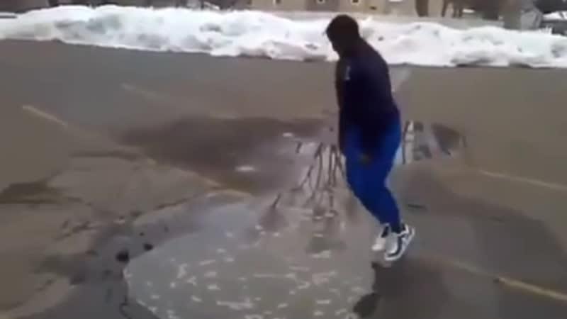 Какашка прыгает