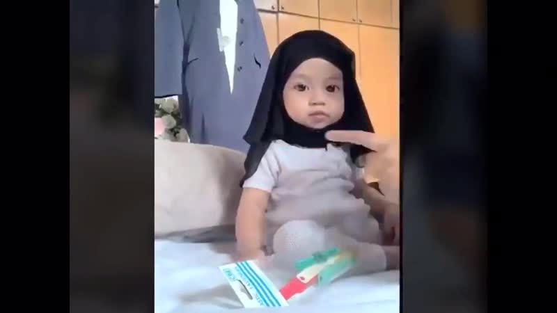 Aaicha, 6 месяцев, безрассудный опыт родителей.
