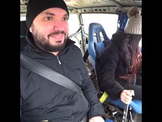 Настя Туман - Катаю людей на ВОЛГЕ V8. #настятуман
