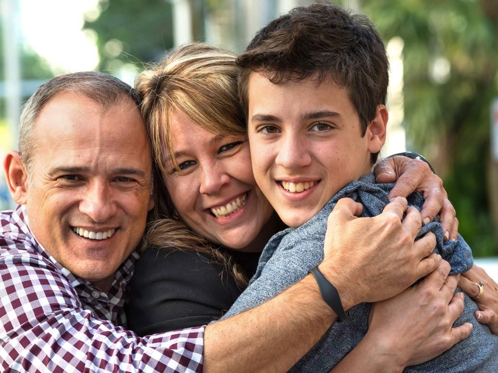 фото семьи и взрослого сына был