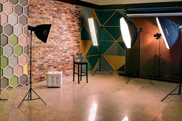 заставку компьютер, фотостудии вакансии помощник фотографа вымя имеет четырехдольное