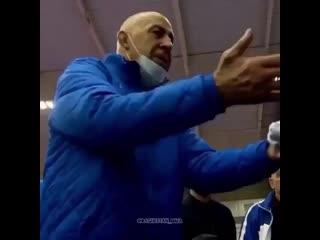 Сердце тренера  болит когда его ребят  засуживаютМагомед Гусейнов -достойный  горец   Федерация Борьбы России