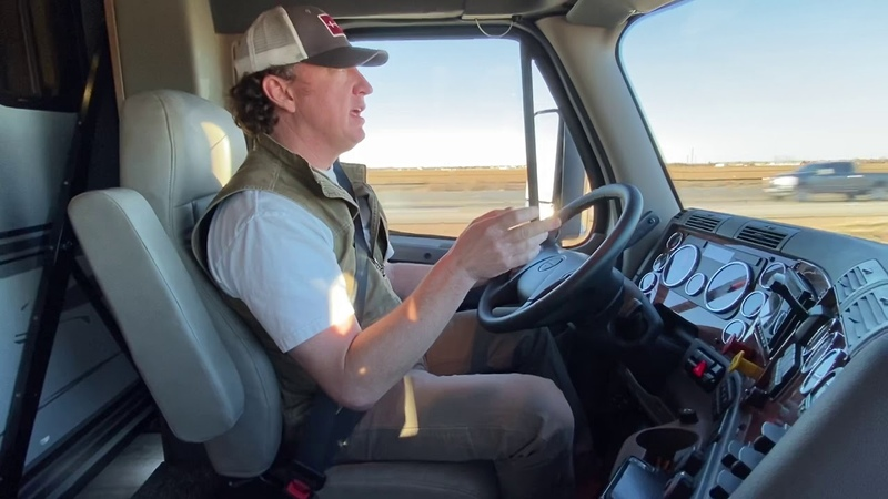 Showhauler Drive Along with Performance Motorcoaches