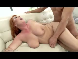 Трахает рыжую бабушку в анал и киску, sex porn milf mature granny anal ass tit boob bbw cum HD (Инцест со зрелыми мамочками 18+)