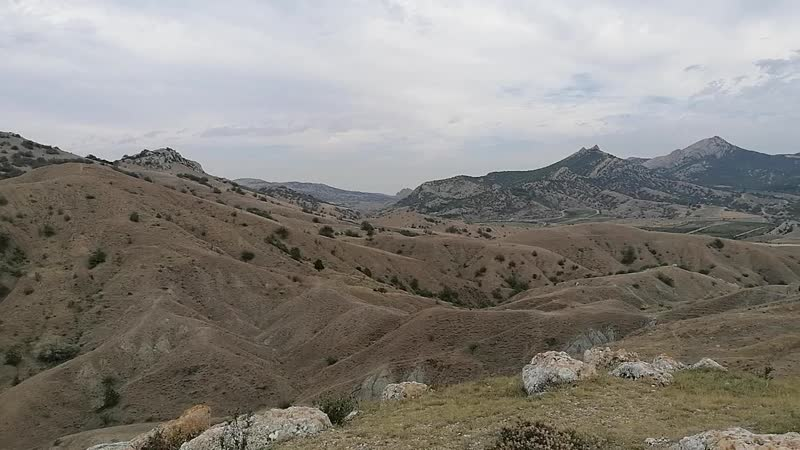 Сапфировая кисть Ушел в горы медитировать