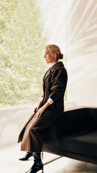 Шикарная Джиллиан Андерсон в фотосете для Net-A-Porter Liz Collins