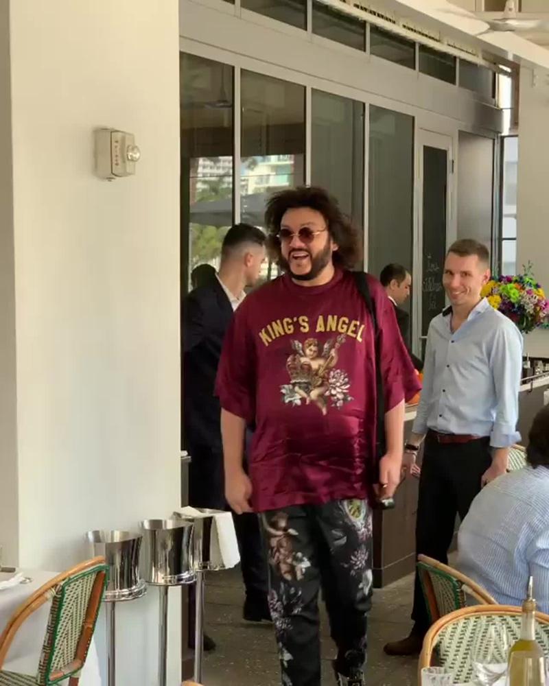 Киркоров и муж Нетребко надели одинаковые футболки