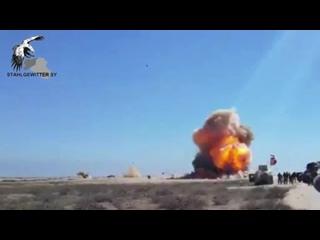 Ирак. Танк уничтожил автомобиль смертника из ИГИЛ
