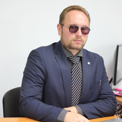 Артем Страховщик