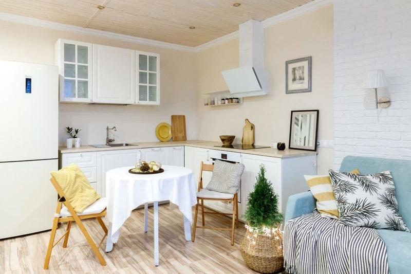 Что выбираете для своих квартир-студий: барную стойку или обеденный стол?