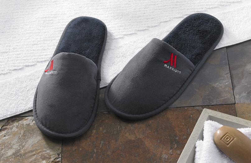 Тапочки должны быть удобными, комфортно носиться и не скользить