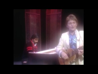 Jon and  Vangelis - Ill Find My Way Home (Top Of The Pops) 1982