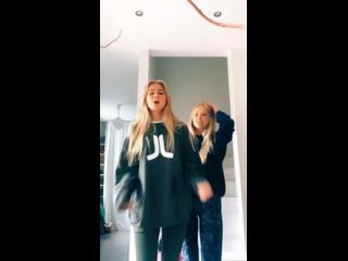 Iza and Elle 1369vid
