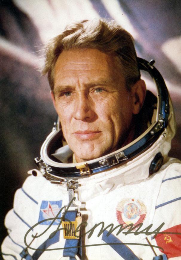 ДЁМИН ЛЕВ СТЕПАНОВИЧ (11 января 1926, Москва — 18 декабря 1998, Звёздный городок...