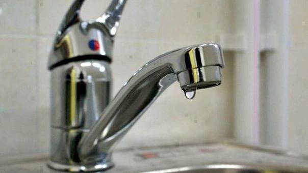 В Новочеркасске из-за порывов на водоводе без воды...