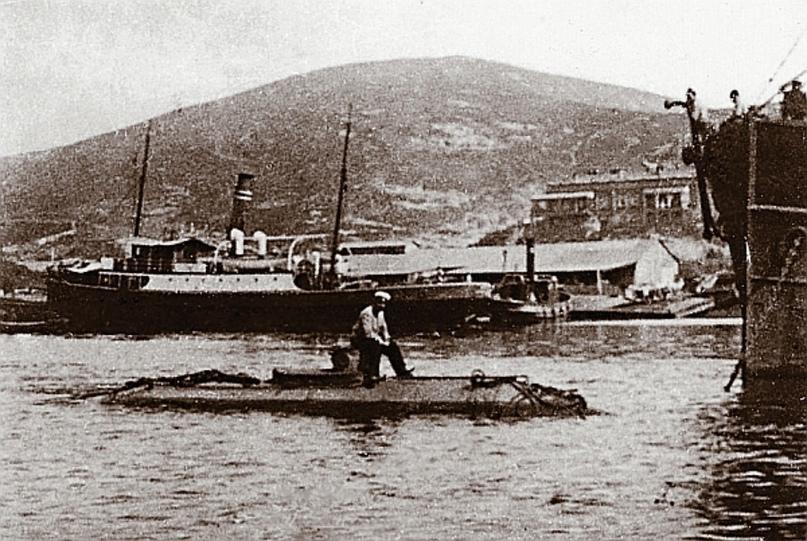 Подлодка «Порт-Артурец» – первый в мире прототип подводного минного заградителя (Порт-Артур, 1904 год).