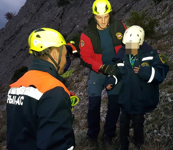 В крымских горах спасли восьмилетнего ребенка [фото]    https://obyektiv.press/node/