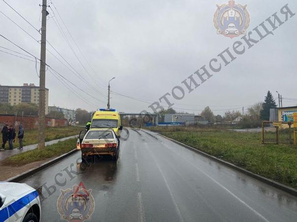 ✅ В Новомосковске под колеса ВАЗа попала 14-летняя...
