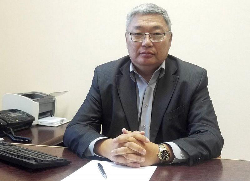 Экс-советник Алексея Цыденова прокомментировал введение нерабочих дней в Бурятии  Он заявил, что «перестал понимать логику всего... [читать продолжение]