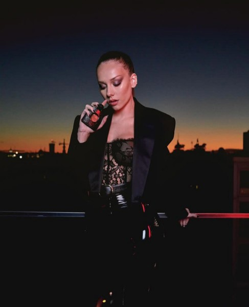 фото из альбома Ester Exposito №9