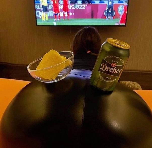 Смотрим с женой футбол 😁,а вы как выходные проводи...