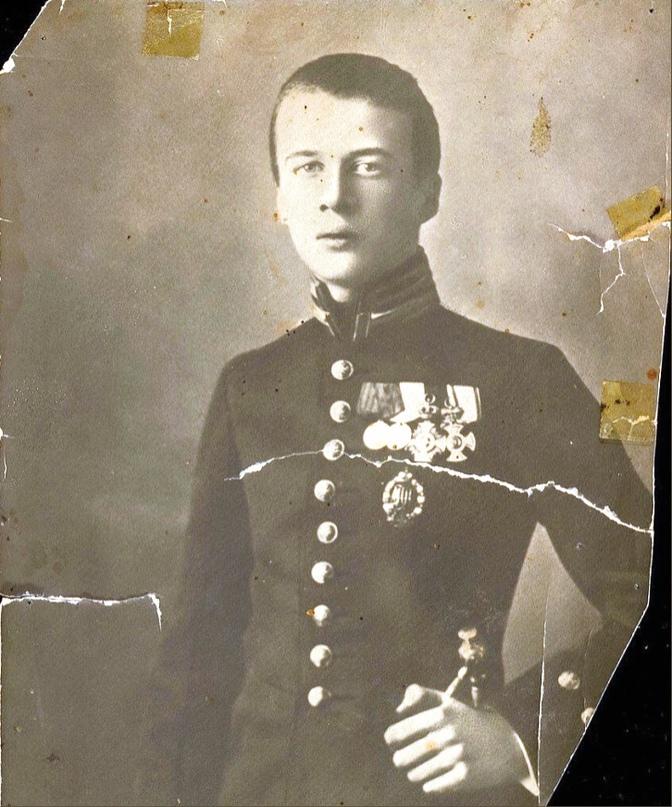 12 октября- 1914 г. умер от ран, полученных на поле боя, Великий князь Олег Константинович