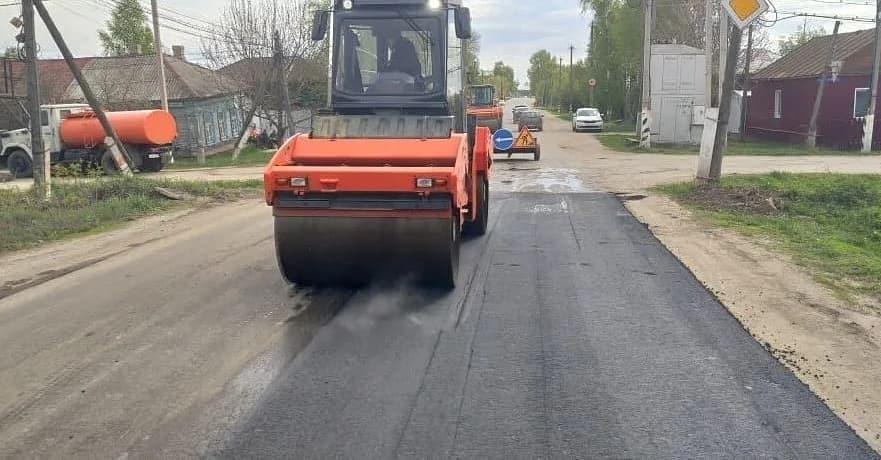 В Петровске на улице Фридриха Энгельса проводятся ремонтные дорожные работы