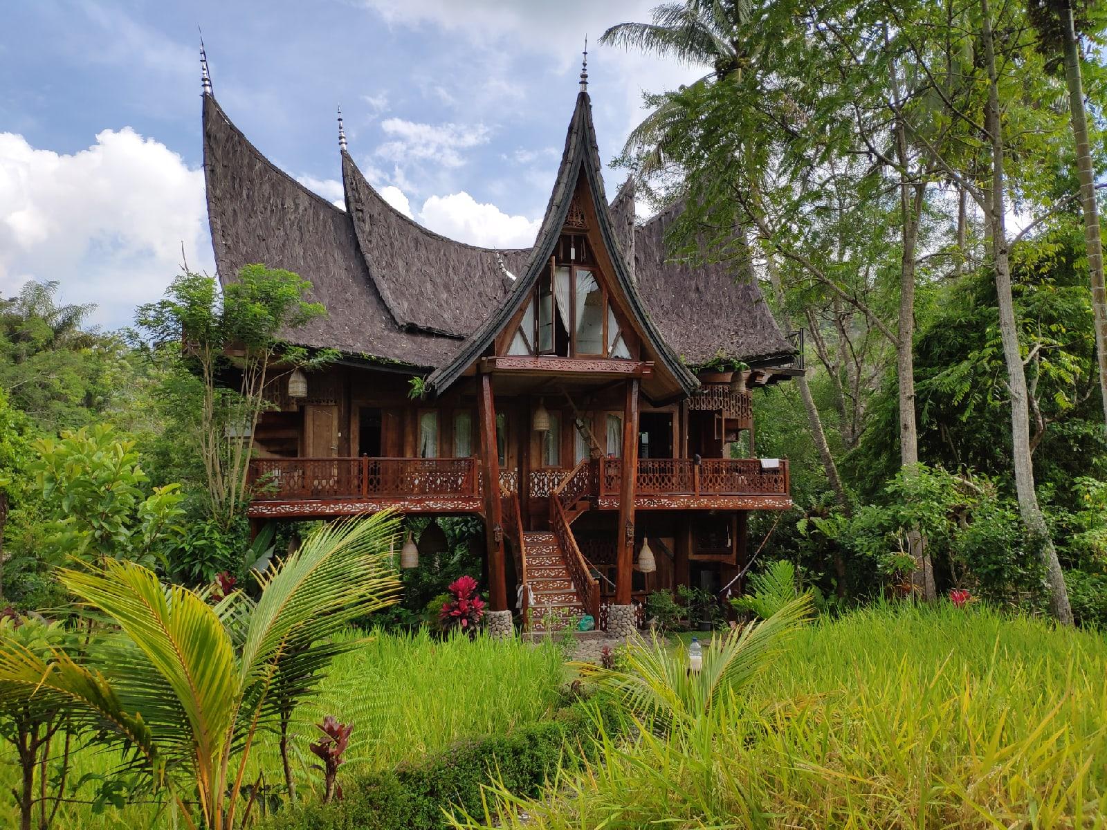 традиционная архитектура западной Суматры