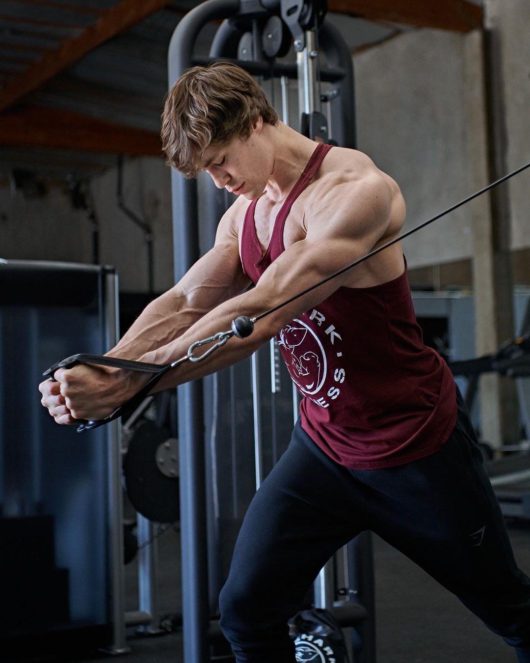 Дэвид Лэйд — молодой бодибилдер с шикарным телом