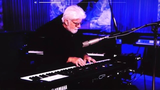 """Michael McDonald covers Gino Vannelli classic """"I Just Wanna Stop"""""""