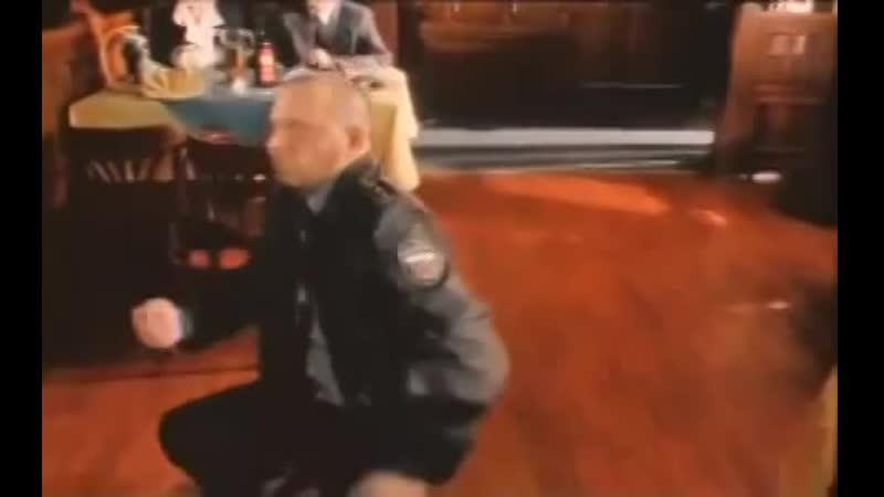 ДМБ прапорщик танцует-1-зв👏😜👏