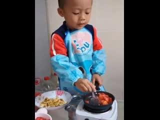 Маленький кулинар и его семья